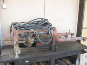 Hydraulický propichovací stroj pro protlaky